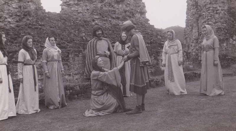 Helmsley 1951 - Lady Adeline pleads with her son