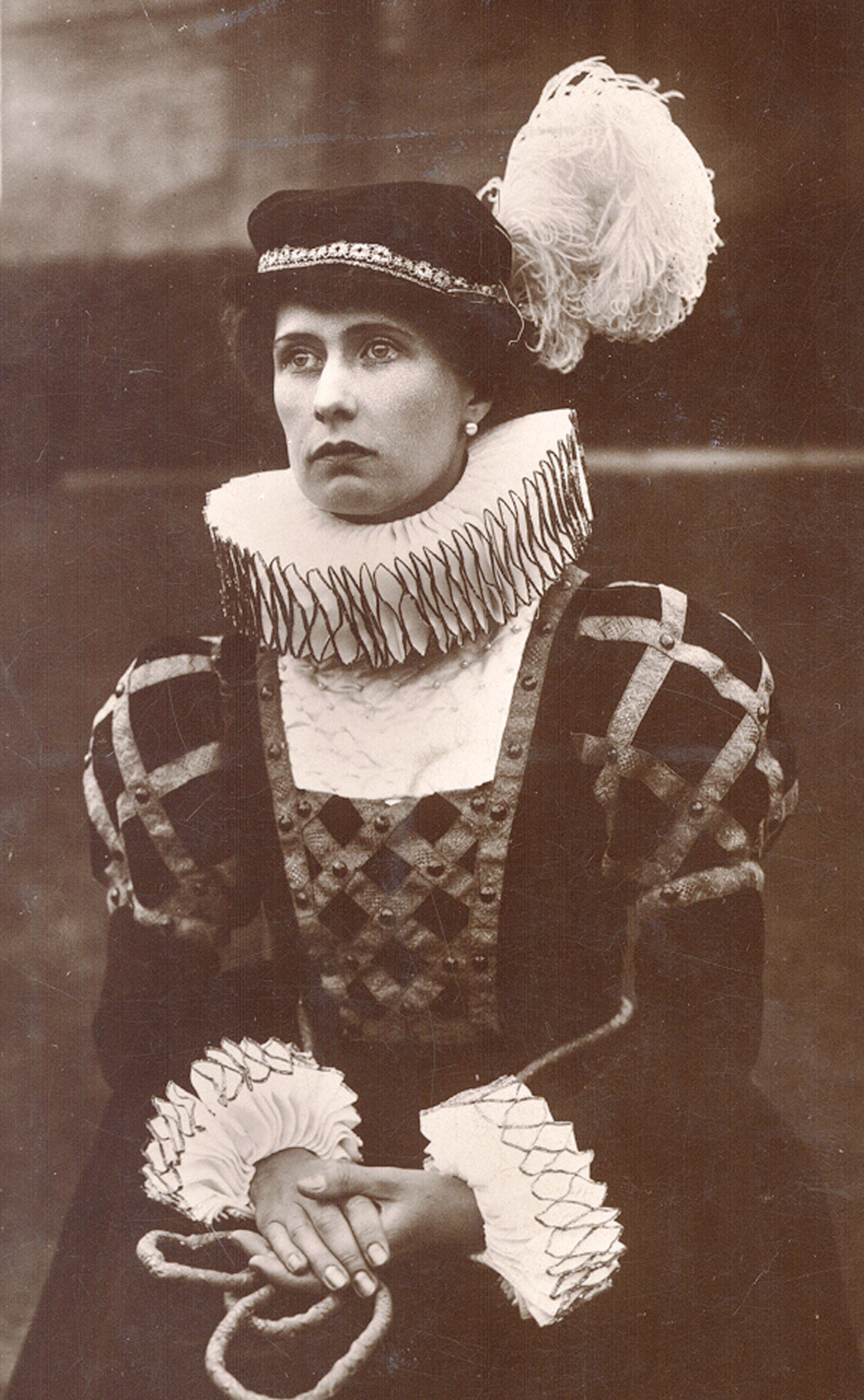 Lady Carlisle in the role of Mary Queen of Scots at the Carlisle Pageant, 1928
