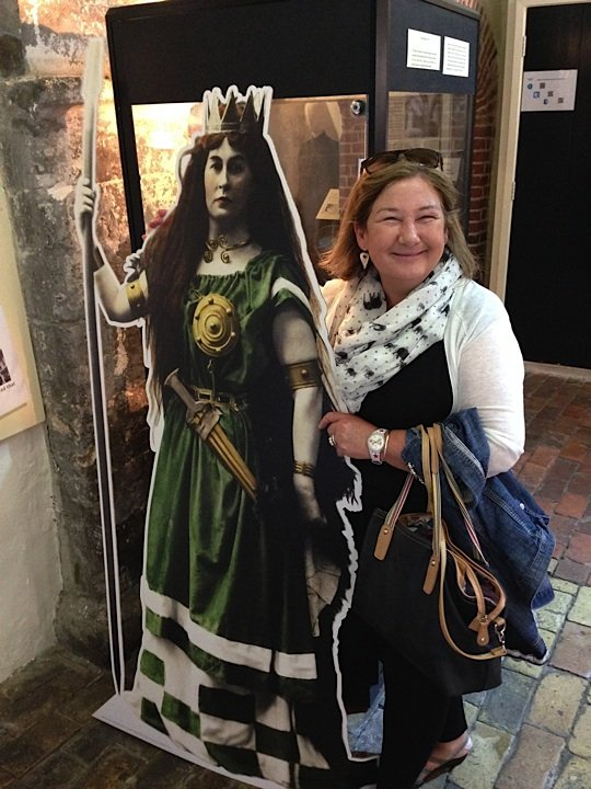 Linda poses with Boudicca