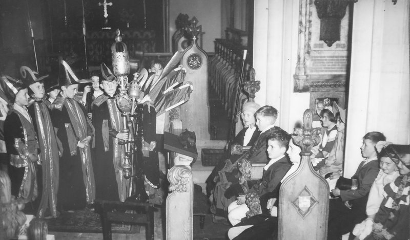 Preston Parish Church Pageant 1955: indoor scene