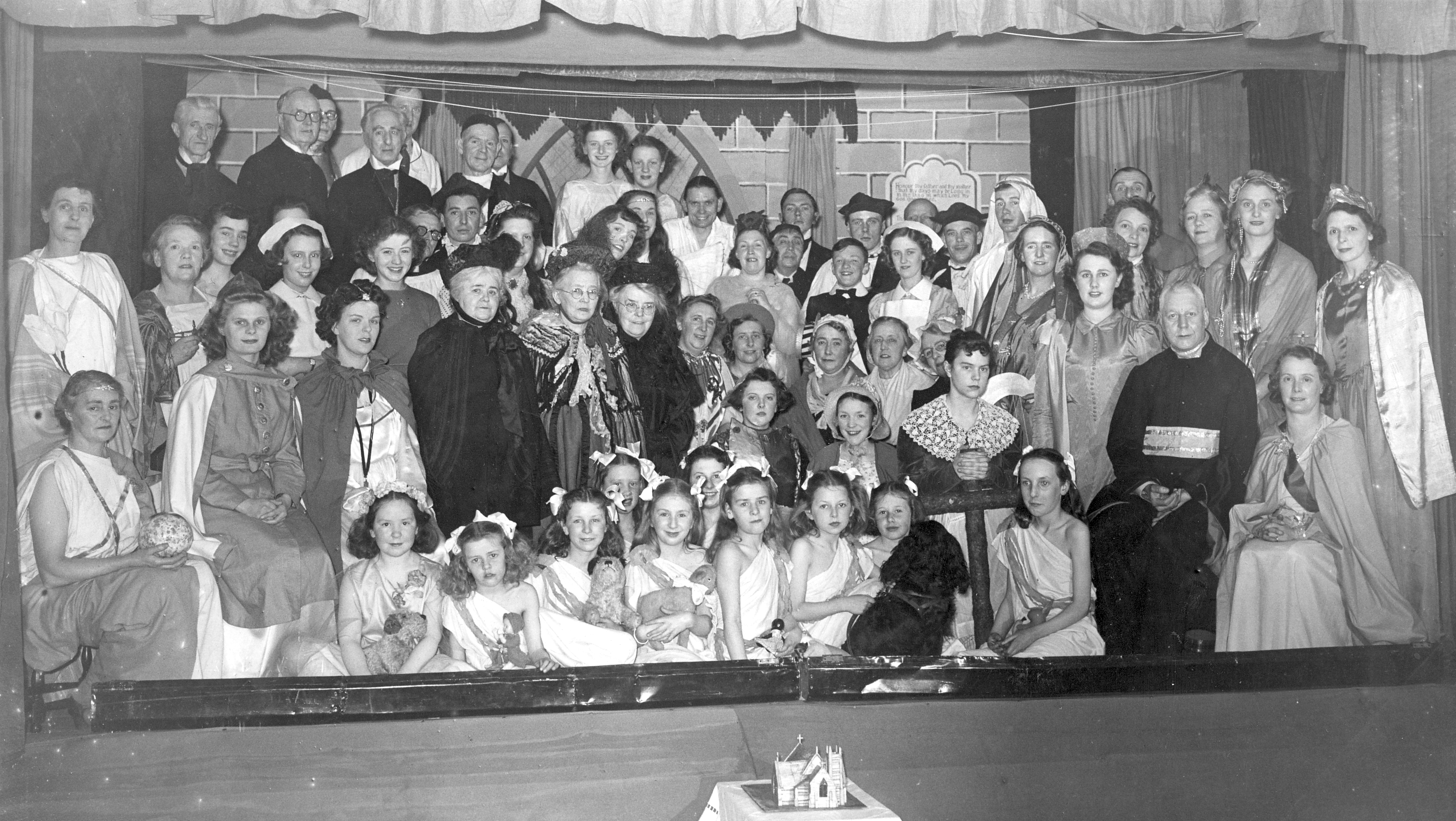 Cast of 'The Golden Chain', Derby 1950
