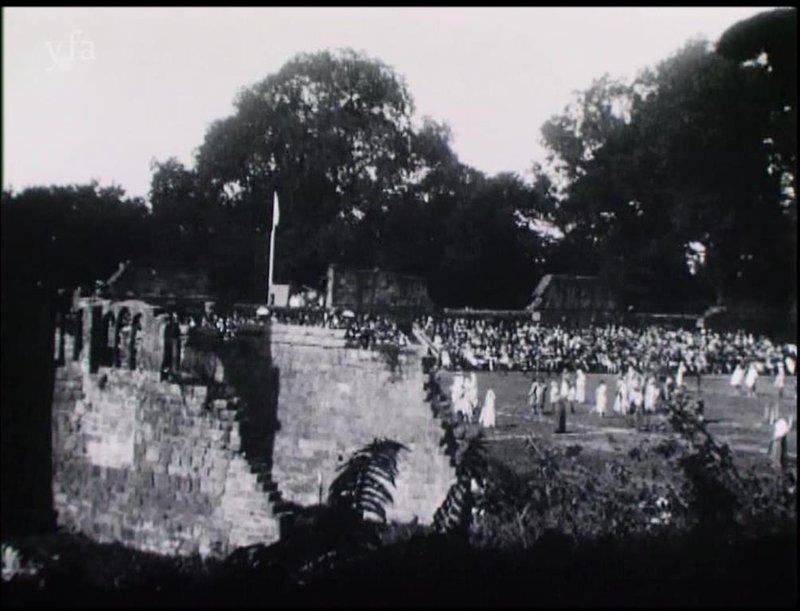 Pageant of Mount Grace players crowd and ruins